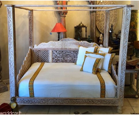 Lotus Canopy Day Bed, Full Size.