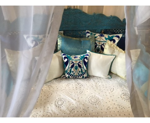 Lotus Canopy Day Bed, Blue