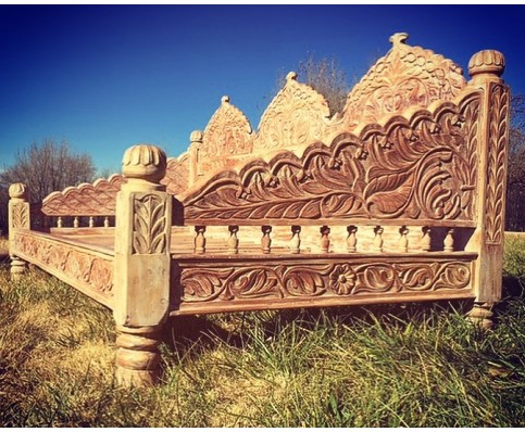 Carved Jhula Day Bed, Light Percentage Finish