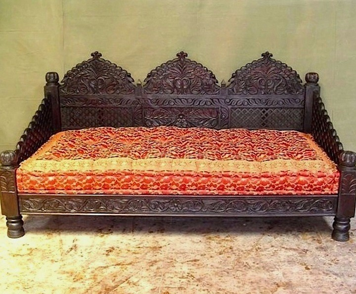 Hand Carved Triple Arch Jhula Day Bed Worldcraft Industries