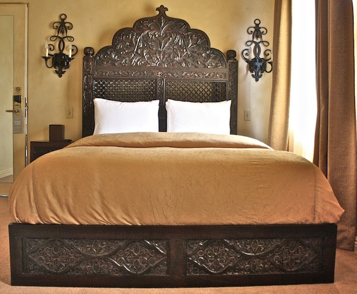 Hand Carved Bed: Carved Bed Frame