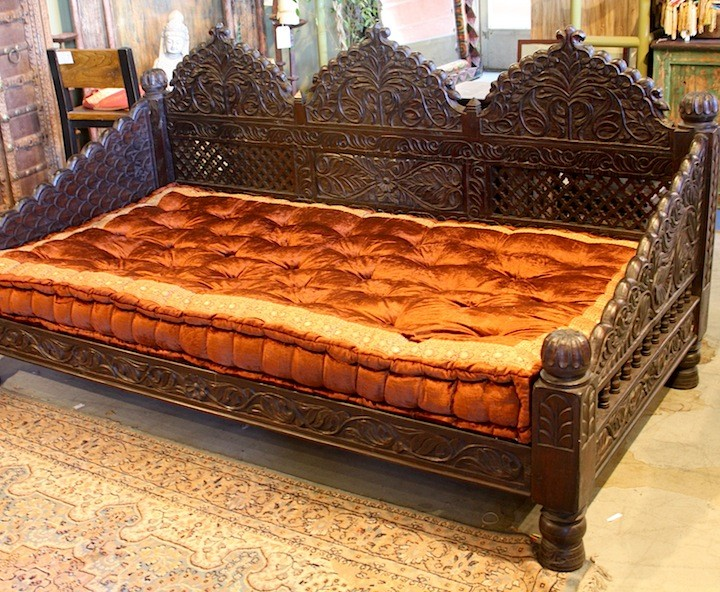 Hand Carved Bed: Hand Carved Triple Arch Jhula Day Bed