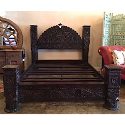 Hand Carved Arch Pillar Bed